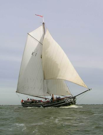 The good ship 'Avontuur'